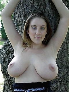Sexy amateur girlfriend displays breasts